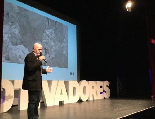 El periodista, escritor y aventurero Sebastián Álvaro disertará en el Teatro Campos Elíseos sobre la importancia del trabajo en equipo